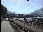 Berner Oberland 2004 (VHS-Archiv) - Einfahrt des  Golden-Pass Panoramic  am 24.05.2004 in Brienz.
