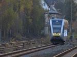 . Ausfahrt des Triebzug Stadler GTW 2/6 der Hellertalbahn von der Haltestelle Herdorf in Richtung Dillenburg.  01.11.2014