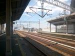 Shinkansen N700 aus Kagoshima-Chuo nach Shin-Osaka durchfährt Nishi-Akashi. (September 2015)