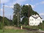 Wegen der Brückenbauarbeiten bei Tršnice, werden alle Züge über Františkovy Lázně nach Cheb und zurück umgeleitet. Hier 362 127-3 mit dem Sp 1694 am 15.08.16 in Tršnice.