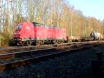 Gemischter Güterzug mit 185 303 auf der Fahrt zwischen Bochum-Langendreer und Bochum Nord am 25. November 2016.