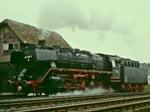 044 508 und 044 216 am 5. Mai 1976 beim Bahnhofsfest in Bergneustadt.