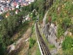 Die Fløibahn ist eine 850 Meter lange elektrische Standseilbahn, die zwei Wagen zwischen dem Fløyen und dem Stadtzentrum Bergens mit drei Zwischenstationen hin und her zieht. Aufnahme: 11. Juli 2018.